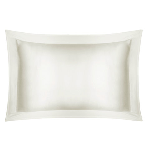 Can A Satin Pillowcase Really Help Fight Wrinkles?