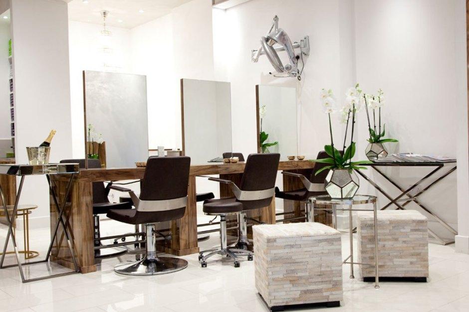 Salon Focus: Hiro Miyoshi